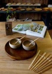 "Tableware of tree of ""there is do tool shop"" full of warmth"